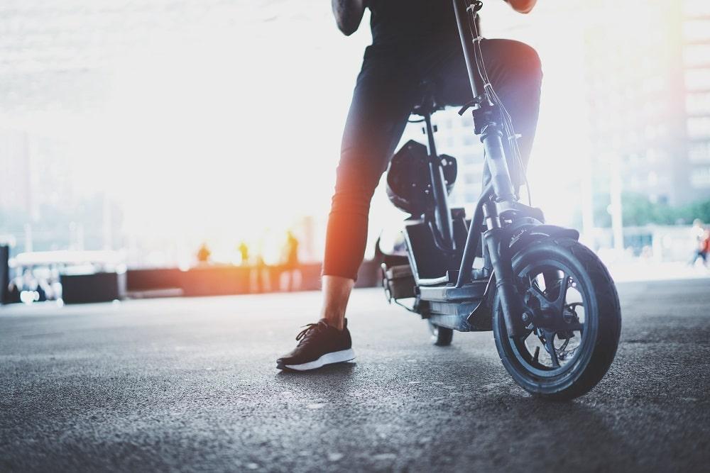E-Scooter mit Sitz Straßenzulassung und klappbar